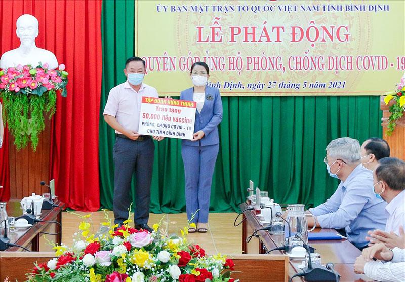 Hưng Thịnh Group mua 50.000 liều vaccine ủng hộ cho tỉnh Bình Định